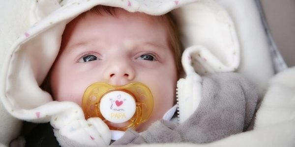 la leche materna es buena para la conjuntivitis del bebe