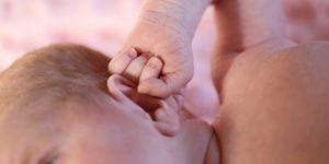 leche materna para el dolor de oído en bebes y adultos